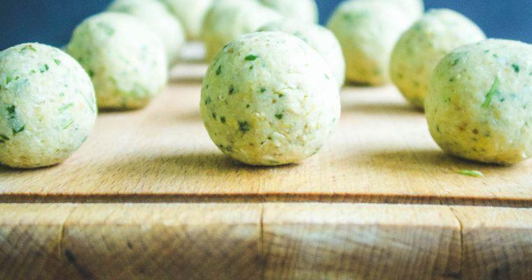 Falafel balls before baking.