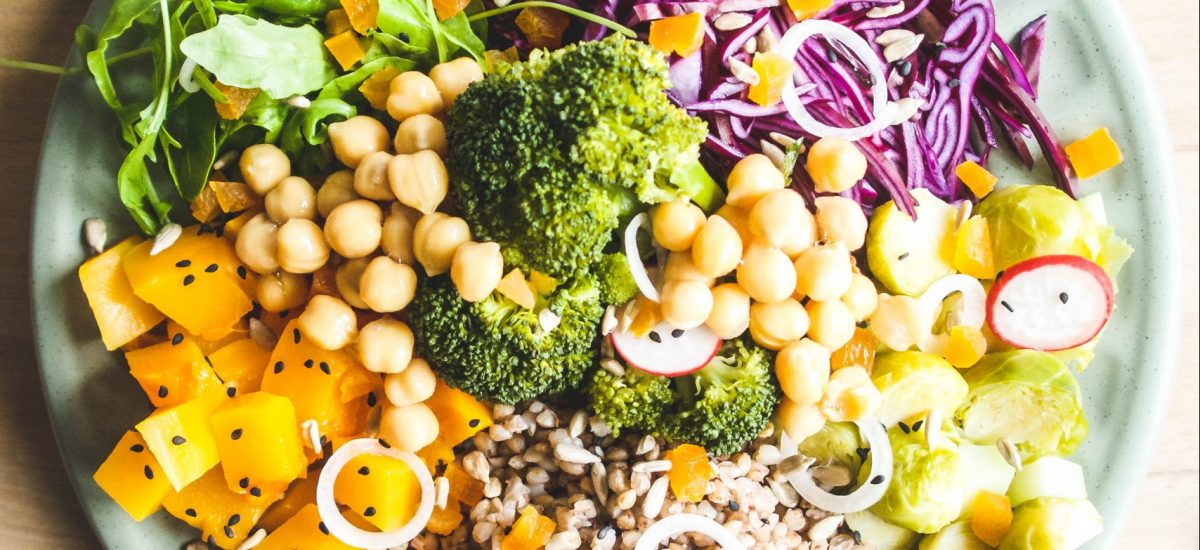 How to go plant-based? 5 real-life tips to help you go plant-based with confidence.